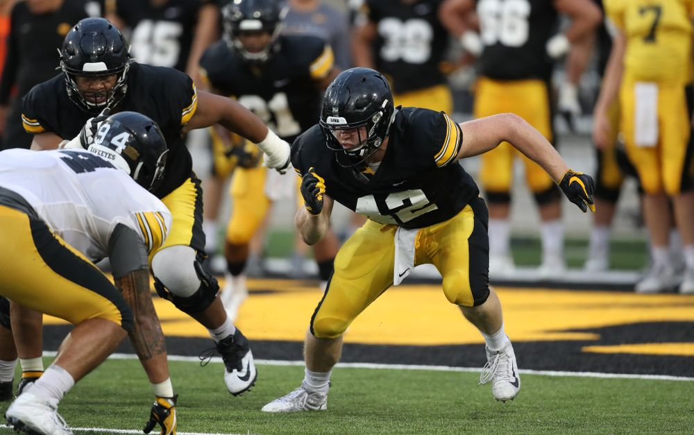 Iowa Hawkeyes tight end Shaun Beyer (42)
