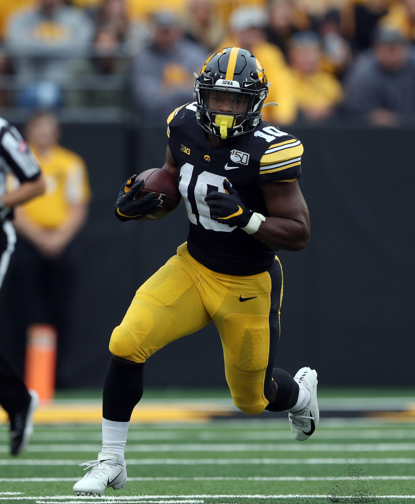 Iowa Hawkeyes running back Mekhi Sargent (10) against Middle Tennessee State Saturday, September 28, 2019 at Kinnick Stadium. (Brian Ray/hawkeyesports.com)