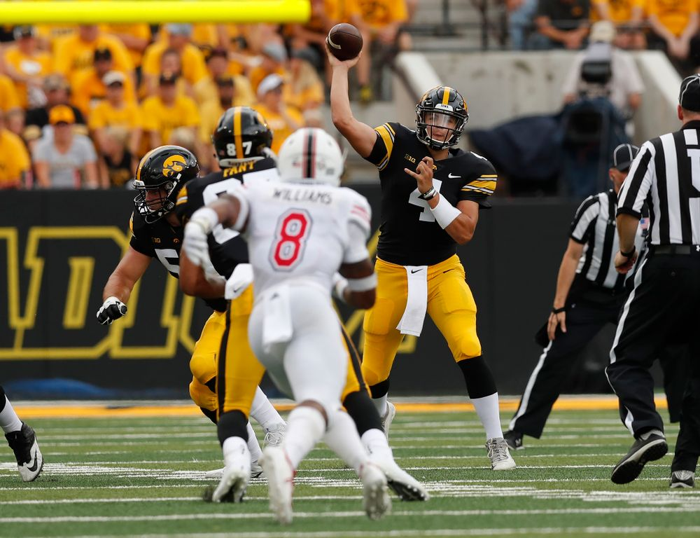 Iowa Hawkeyes quarterback Nate Stanley (4) against the Northern Illinois Huskies Saturday, September 1, 2018 at Kinnick Stadium. (Brian Ray/hawkeyesports.com)