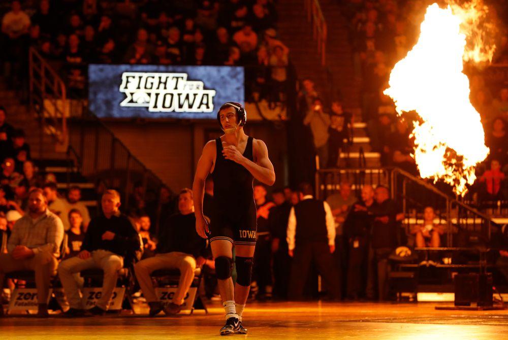 Iowa's Michael Kemerer Wrestles Oklahoma State's Jonce Blaylock at 157 pounds