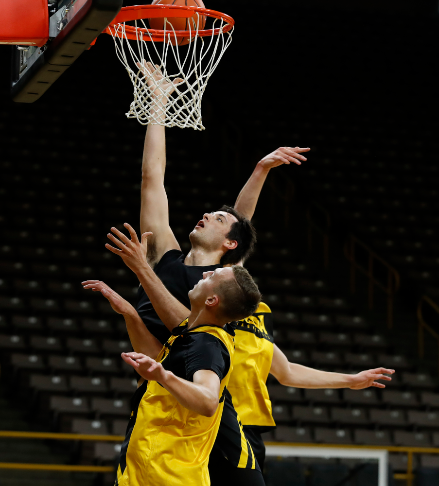 Iowa Hawkeyes guard CJ Fredrick (5) goes to the hoop during the first practice of the season Monday, October 1, 2018 at Carver-Hawkeye Arena. (Brian Ray/hawkeyesports.com)