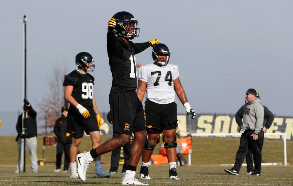Iowa Hawkeyes defensive back Joshua Jackson (15)