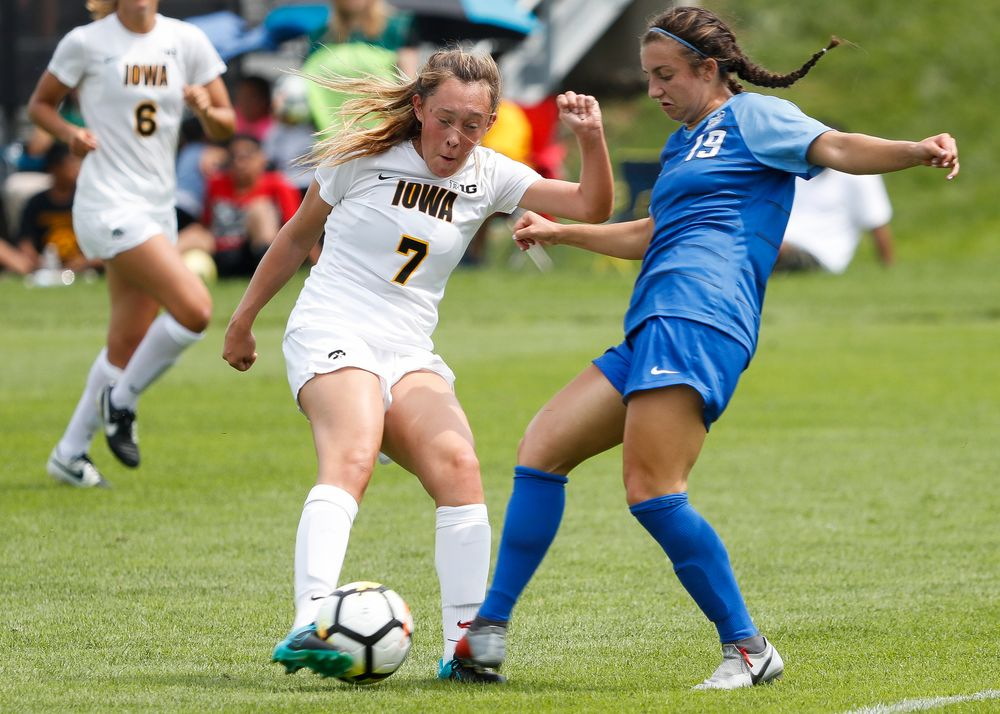 Iowa Hawkeyes forward Skylar Alward (7)