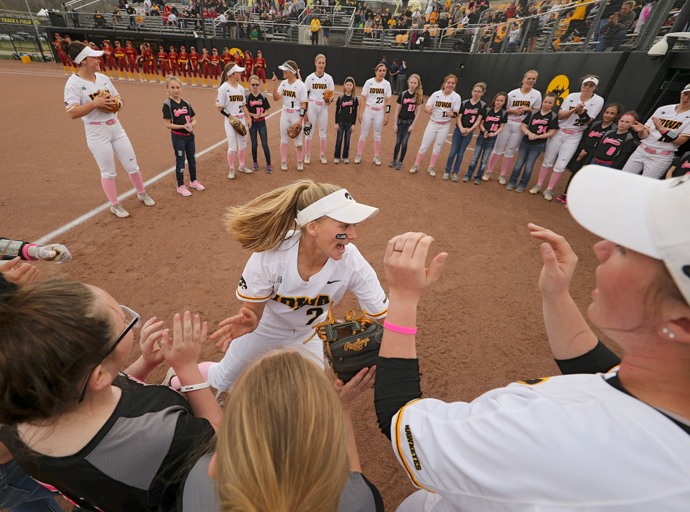 Iowa second baseman Aralee Bogar (2) takes the field before their game against Iowa State at Pearl Field in Iowa City on Tuesday, Apr. 9, 2019. (Stephen Mally/hawkeyesports.com)