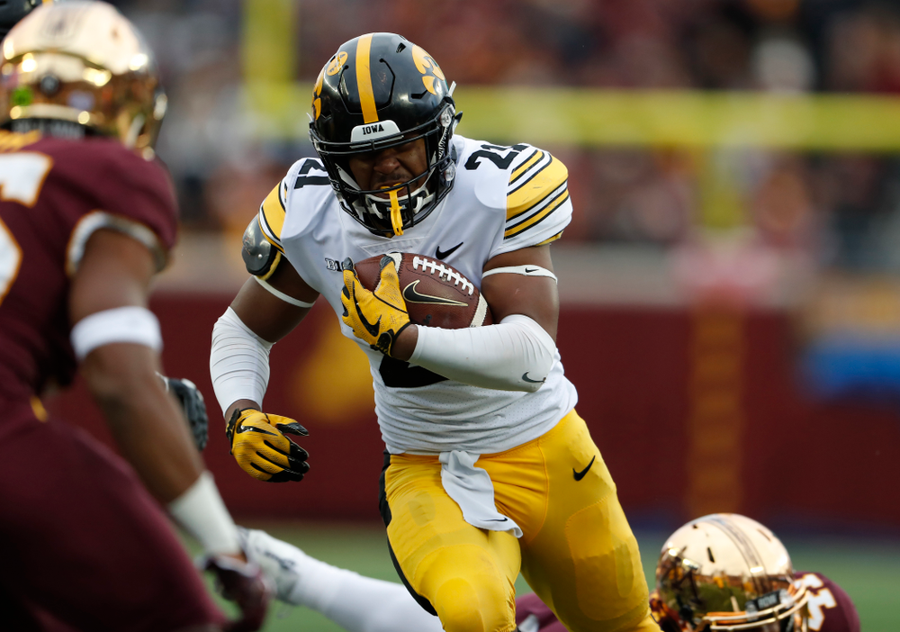 Iowa Hawkeyes running back Ivory Kelly-Martin (21) against the Minnesota Golden Gophers Saturday, October 6, 2018 at TCF Bank Stadium. (Brian Ray/hawkeyesports.com)