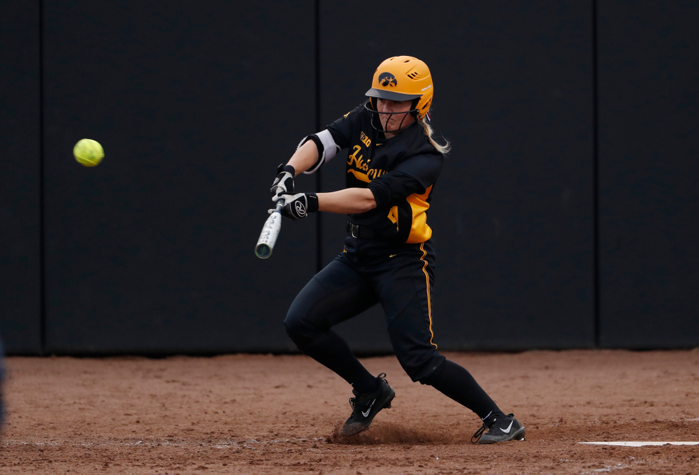 Iowa Hawkeyes outfielder Havyn Monteer (21) against the Minnesota Golden Gophers Friday, April 13, 2018 at Bob Pearl Field. (Brian Ray/hawkeyesports.com)