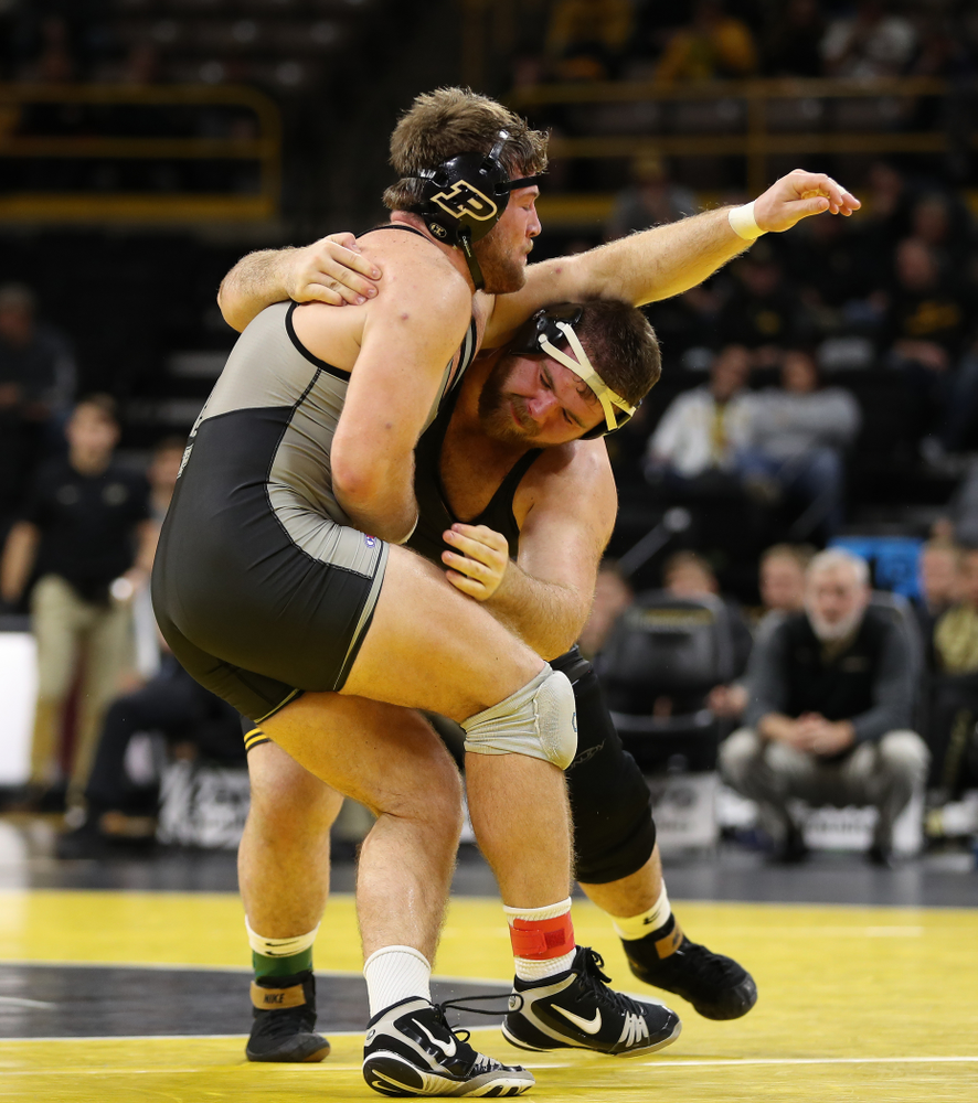 Iowa's Aaron Costello wrestles Purdue's Jacob Aven at heavyweight Saturday, November 24, 2018 at Carver-Hawkeye Arena. (Brian Ray/hawkeyesports.com)