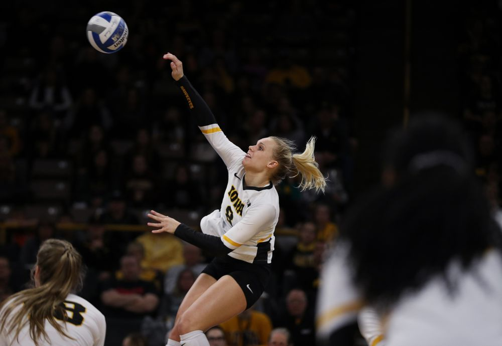 Iowa Hawkeyes right side hitter Reghan Coyle (8) against the Ohio State Buckeyes Saturday, November 24, 2018 at Carver-Hawkeye Arena. (Brian Ray/hawkeyesports.com)