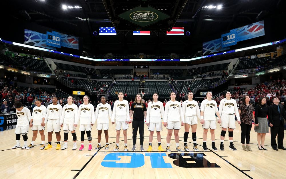 The Iowa Hawkeyes against the Indiana Hoosiers in the quarterfinals of the Big Ten Tournament Friday, March 8, 2019 at Bankers Life Fieldhouse in Indianapolis, Ind. (Brian Ray/hawkeyesports.com)