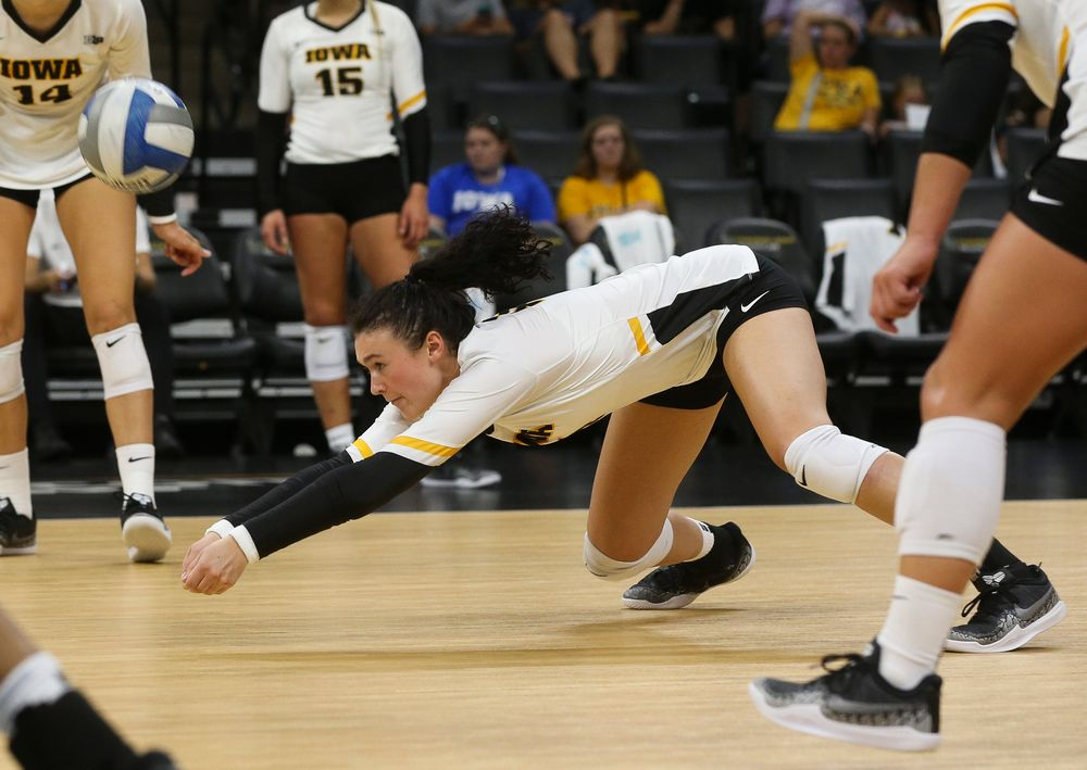 Iowa Hawkeyes defensive specialist Halle Johnston (4)