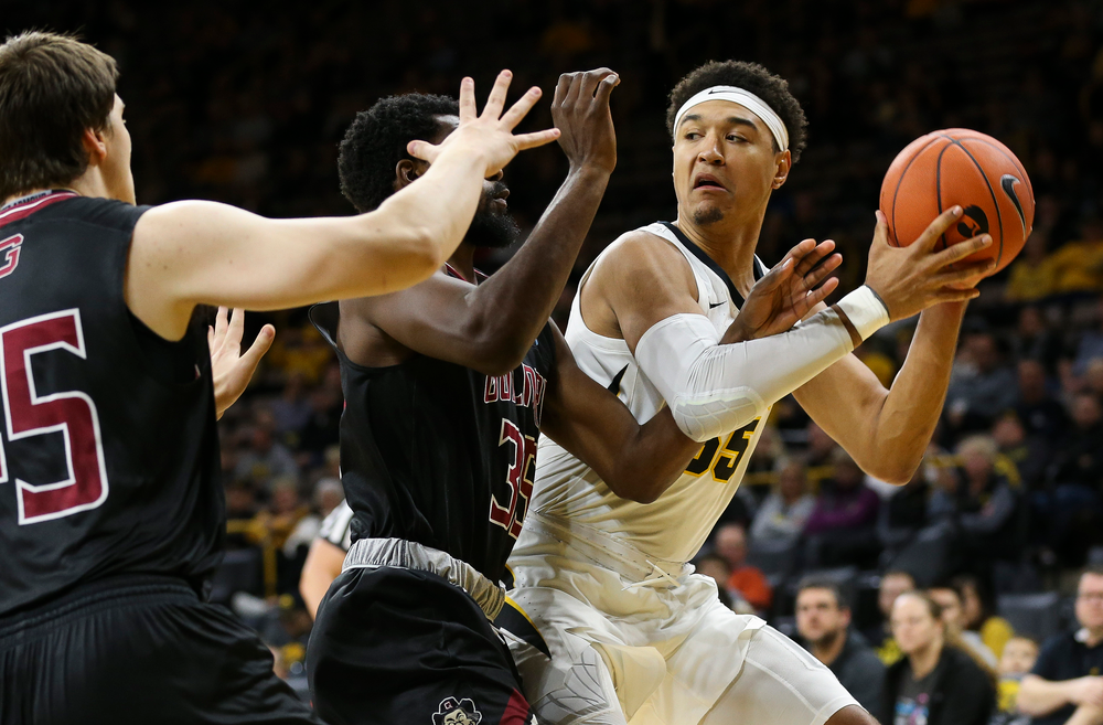 Iowa Hawkeyes forward Cordell Pemsl (35) looks to pass during a game against Guilford College at Carver-Hawkeye Arena on November 4, 2018. (Tork Mason/hawkeyesports.com)