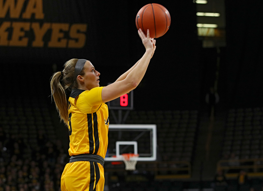 Iowa Hawkeyes guard Makenzie Meyer (3) puts up a shot during the fourth quarter of their game at Carver-Hawkeye Arena in Iowa City on Thursday, January 23, 2020. (Stephen Mally/hawkeyesports.com)