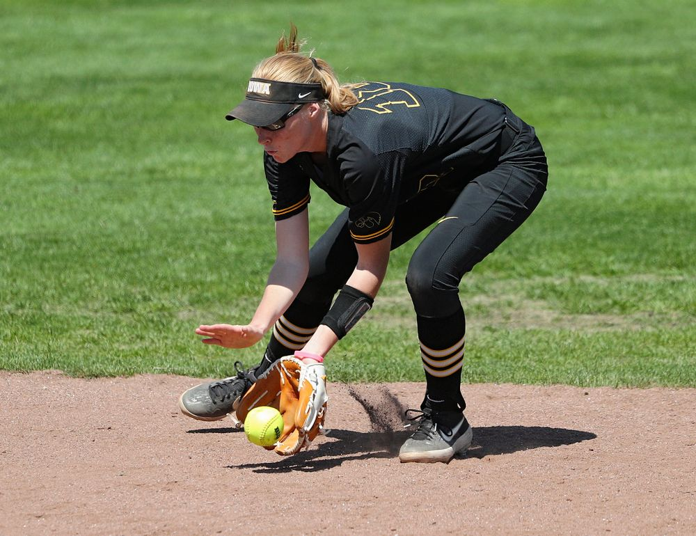 Iowa shortstop Ashley Hamilton (18) fields a ground ball during the third inning of their game against Ohio State at Pearl Field in Iowa City on Saturday, May. 4, 2019. (Stephen Mally/hawkeyesports.com)