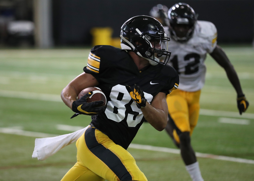 Iowa Hawkeyes wide receiver Nico Ragaini (89)