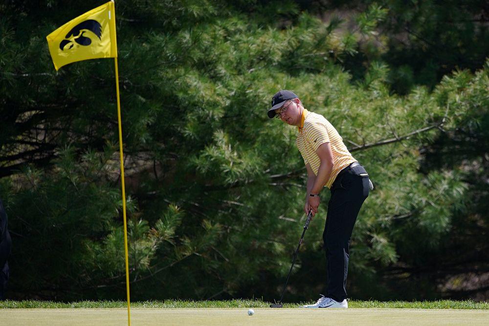Iowa's Matthew Walker putts during the third round of the Hawkeye Invitational at Finkbine Golf Course in Iowa City on Sunday, Apr. 21, 2019. (Stephen Mally/hawkeyesports.com)