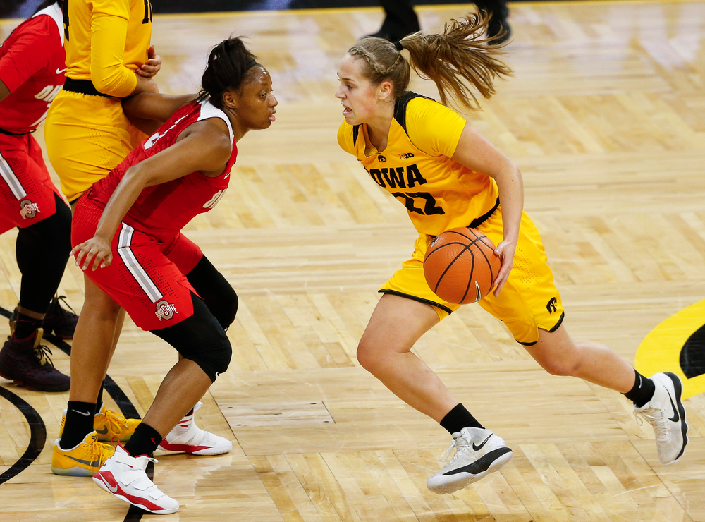 Iowa Hawkeyes guard Kathleen Doyle (22) drives the ball during a game against the Ohio State Buckeyes at Carver-Hawkeye Arena on January 25, 2018. (Tork Mason/hawkeyesports.com)