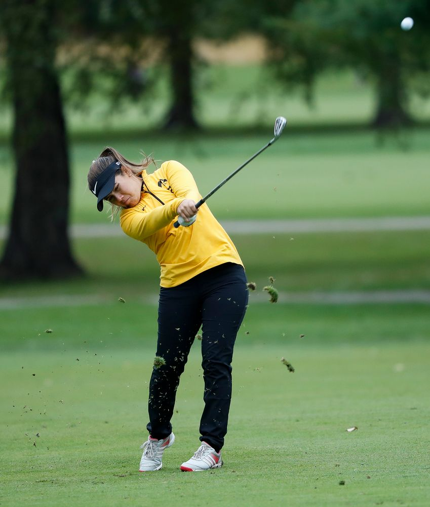 Iowa's Manuela Lizarazu hits an approach shot during the Diane Thomason Invitational at Finkbine Golf Course on September 29, 2018. (Tork Mason/hawkeyesports.com)