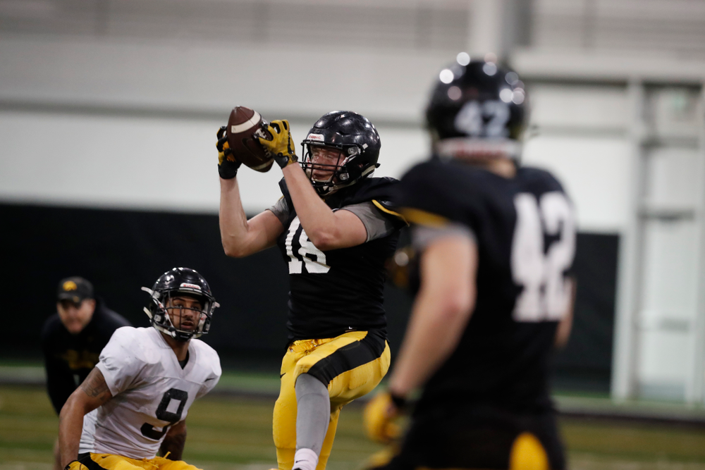 Iowa Hawkeyes tight end Drew Cook (18) during spring practice No. 13 Wednesday, April 18, 2018 at the Hansen Football Performance Center. (Brian Ray/hawkeyesports.com)