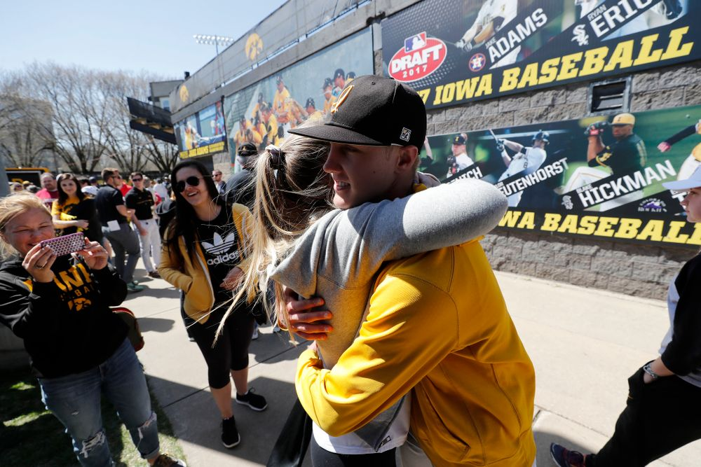 Iowa Hawkeyes pitcher Zach Daniels (2) against the Michigan Wolverines Sunday, April 29, 2018 at Duane Banks Field. (Brian Ray/hawkeyesports.com)