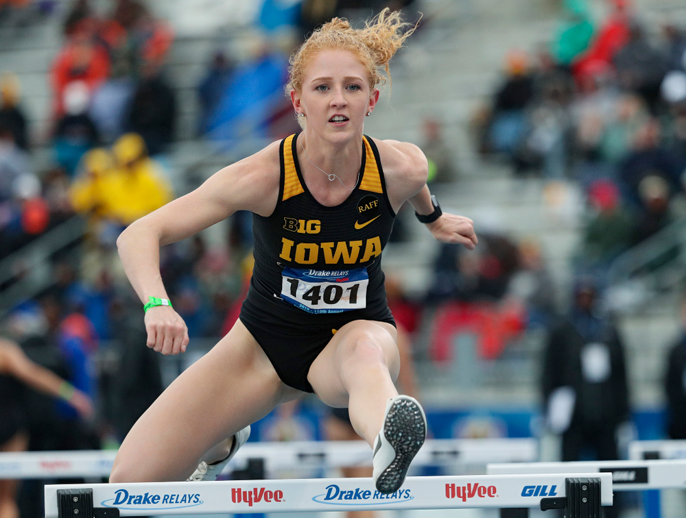 Iowa's Kylie Morken runs the women's shuttle hurdles event during the third day of the Drake Relays at Drake Stadium in Des Moines on Saturday, Apr. 27, 2019. (Stephen Mally/hawkeyesports.com)