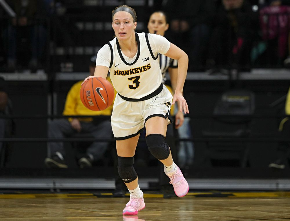 Iowa Hawkeyes guard Makenzie Meyer (3) brings the ball down the court during the second quarter of the game at Carver-Hawkeye Arena in Iowa City on Thursday, February 6, 2020. (Stephen Mally/hawkeyesports.com)