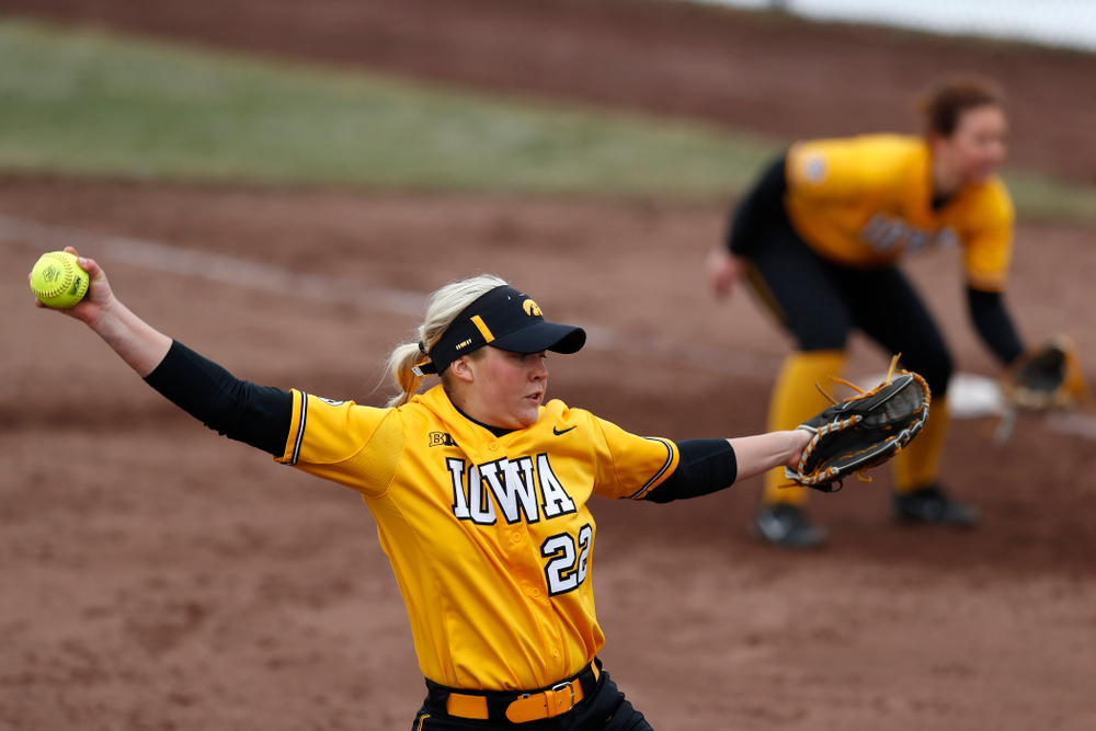 Iowa Hawkeyes starting pitcher/relief pitcher Kenzie Ihle (22) against UW Green Bay Tuesday, March 27, 2018 at Bob Pearl Field. (Brian Ray/hawkeyesports.com)