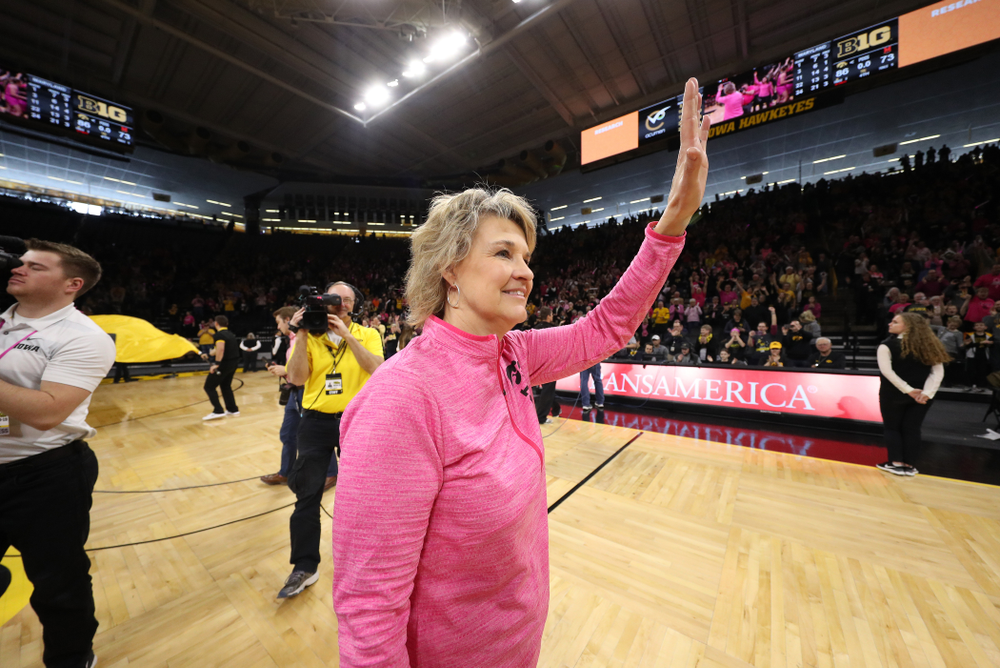 Iowa Hawkeyes head coach Lisa Bluder against the seventh ranked Maryland Terrapins Sunday, February 17, 2019 at Carver-Hawkeye Arena. (Brian Ray/hawkeyesports.com)