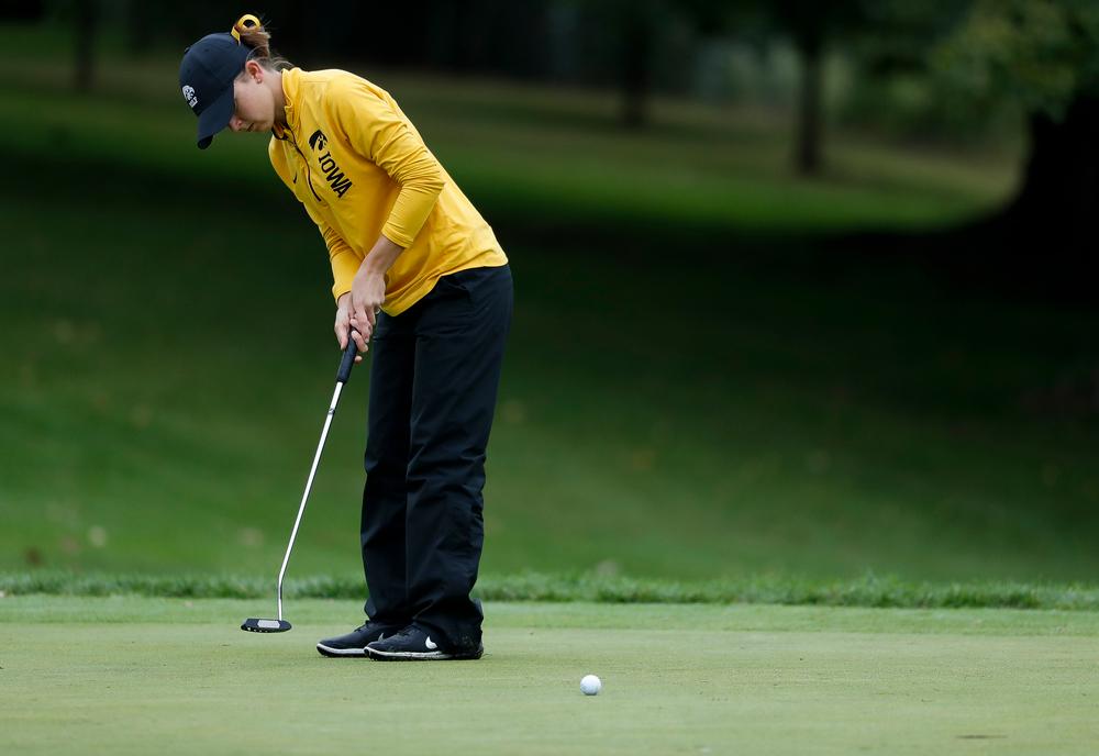 Iowa's Brett Permann putts during the Diane Thomason Invitational at Finkbine Golf Course on September 29, 2018. (Tork Mason/hawkeyesports.com)