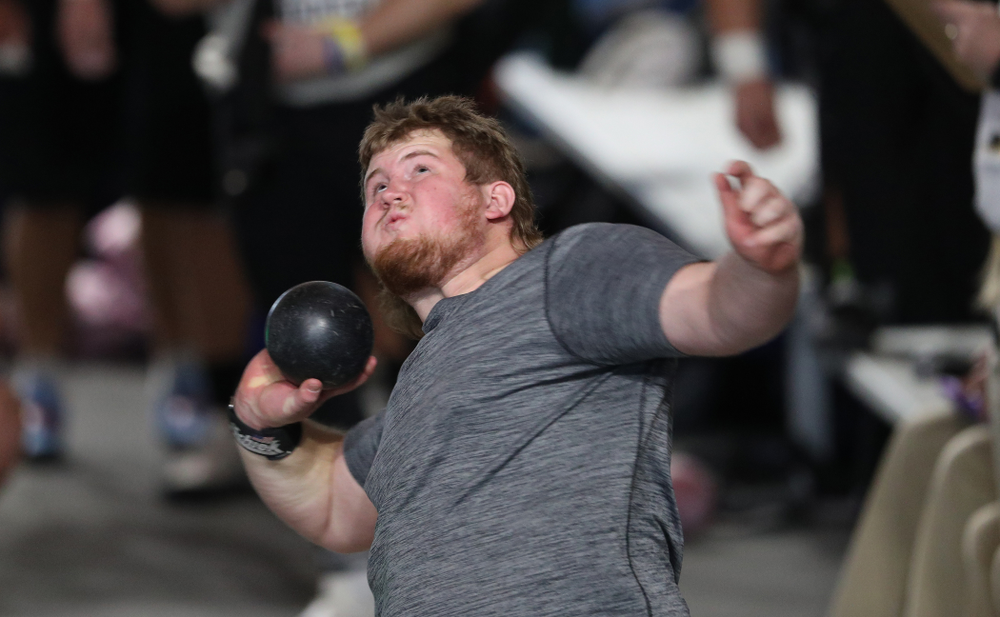 Iowa's Dawson Ellingson competes in the Shot Put during the Black and Gold Premier meet Saturday, January 26, 2019 at the Recreation Building. (Brian Ray/hawkeyesports.com)