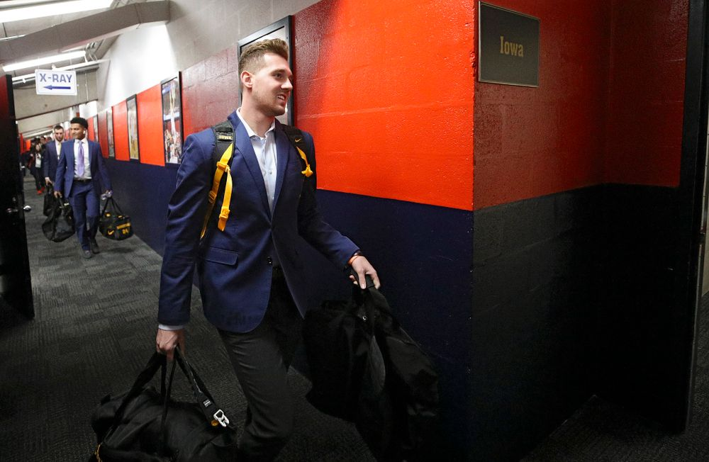 Iowa Hawkeyes guard Jordan Bohannon (3) walks to the locker room as the team arrives before their ACC/Big Ten Challenge game at the Carrier Dome in Syracuse, N.Y. on Tuesday, Dec 3, 2019. (Stephen Mally/hawkeyesports.com)