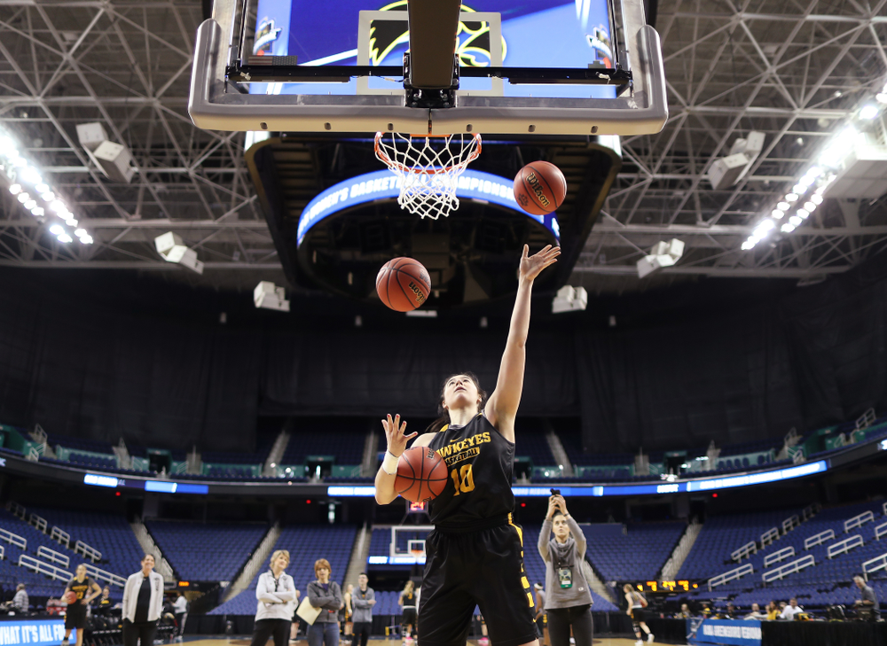 Iowa Hawkeyes forward Megan Gustafson (10) does the three ball Mikan Drill the ESPN Crew following practice for their Sweet 16 matchup against NC State Friday, March 29, 2019 at the Greensboro Coliseum in Greensboro, NC.(Brian Ray/hawkeyesports.com)