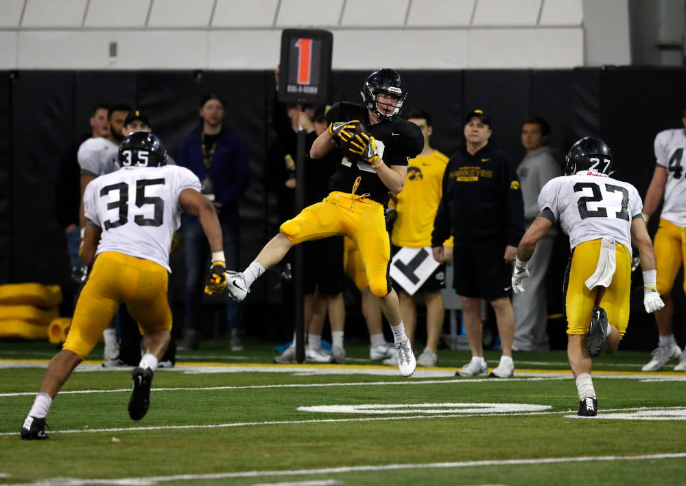 Iowa Hawkeyes wide receiver Max Cooper (19) during spring practice No. 13 Wednesday, April 18, 2018 at the Hansen Football Performance Center. (Brian Ray/hawkeyesports.com)