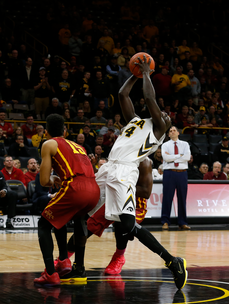 Iowa Hawkeyes guard Peter Jok (14)