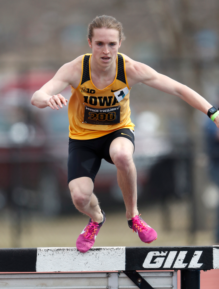 Iowa's Nathan Mylenek runs the 3000 meter steeplechase during the 2018 MUSCO Twilight Invitational  Thursday, April 12, 2018 at the Cretzmeyer Track. (Brian Ray/hawkeyesports.com)