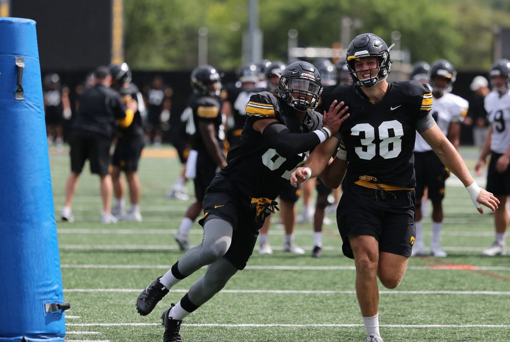 Iowa Hawkeyes tight end Noah Fant (87) and tight end T.J. Hockenson (38) during practice No. 4 of Fall Camp Monday, August 6, 2018 at the Hansen Football Performance Center. (Brian Ray/hawkeyesports.com)