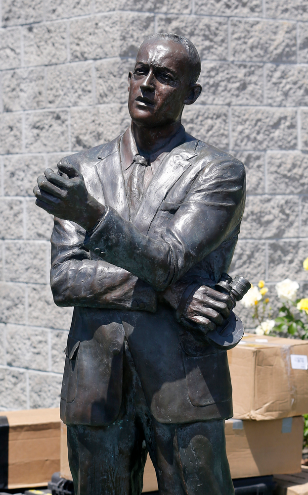 Bill Bowerman sculpture