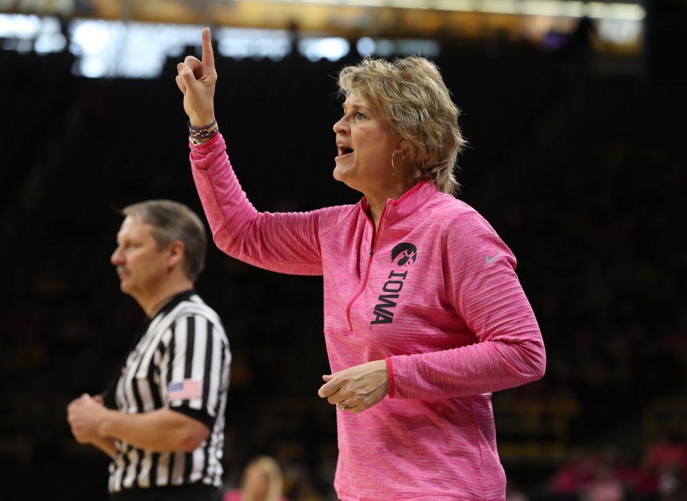 Iowa Hawkeyes head coach Lisa Bluder against the seventh ranked Maryland Terrapins Sunday, February 17, 2019 at Carver-Hawkeye Arena. (Brian Ray/hawkeyesports.com)