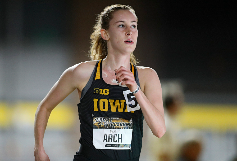Iowa's Mary Arch runs the women's 3000 meter run event during the Larry Wieczorek Invitational at the Recreation Building in Iowa City on Friday, January 17, 2020. (Stephen Mally/hawkeyesports.com)