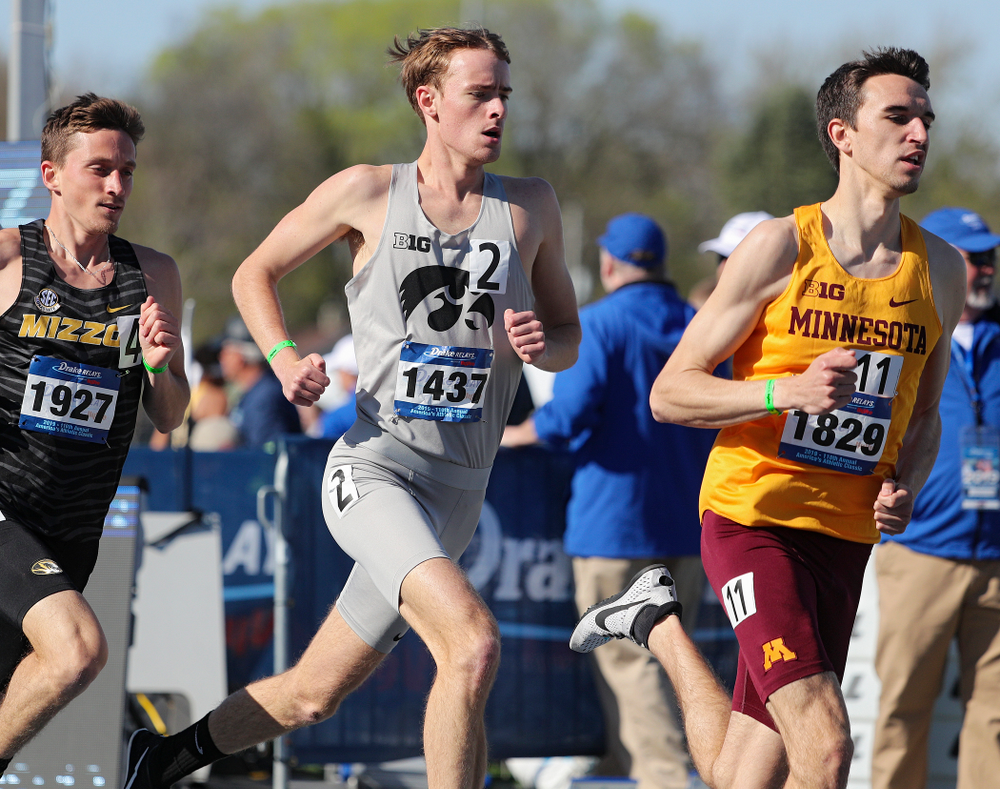 Iowa's Jeff Roberts runs the men's 1500 meter event during the first day of the Drake Relays at Drake Stadium in Des Moines on Thursday, Apr. 25, 2019. (Stephen Mally/hawkeyesports.com)
