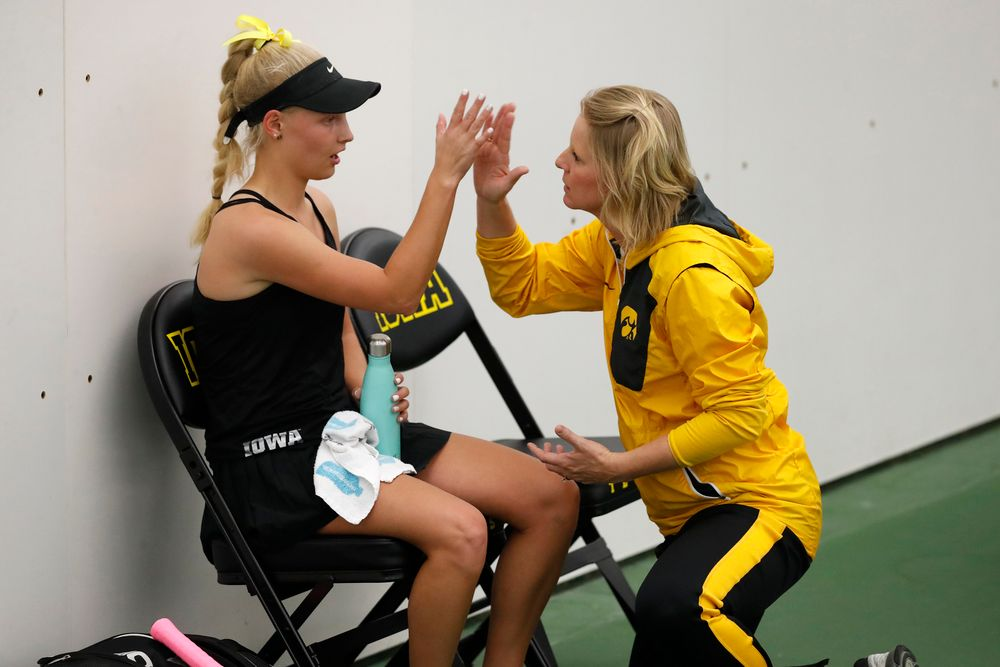 Kristen Thoms, Head Coach Sasha Schmid