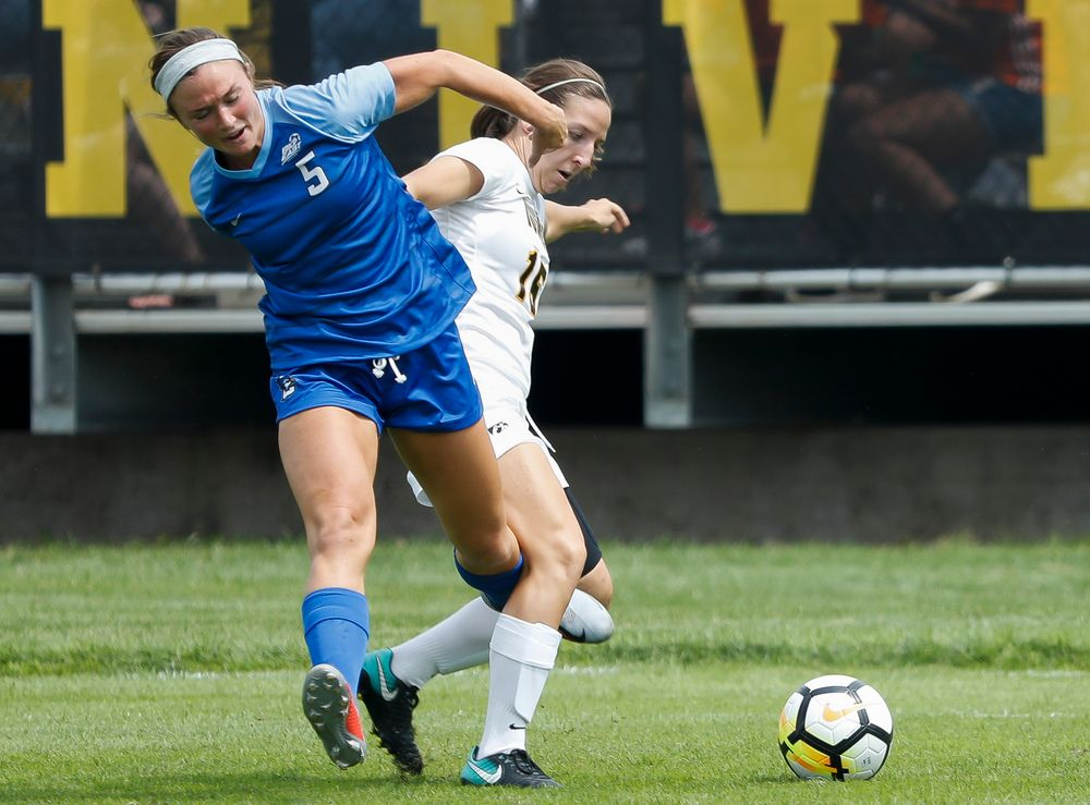 Iowa Hawkeyes forward Rose Ripslinger (15)
