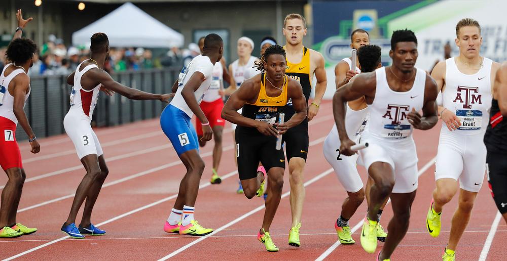 Emmanuel Ogwo, Collin Hofacker-- 4x400 relay