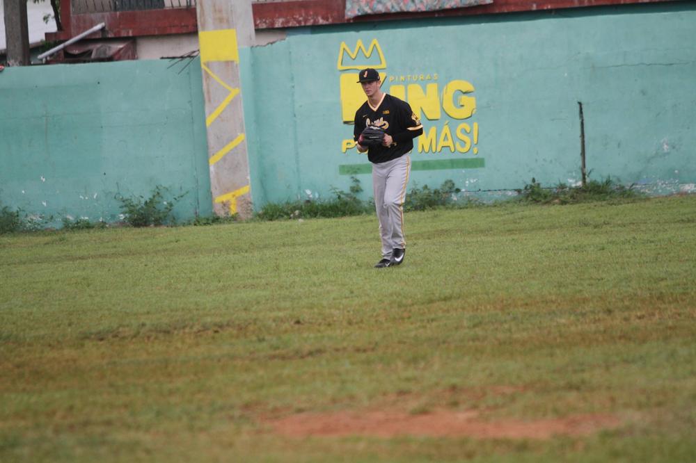 Robert Neustrom Iowa 9, Dominican Army National Team 4 Nov. 20, 2016 Photo: James Allan