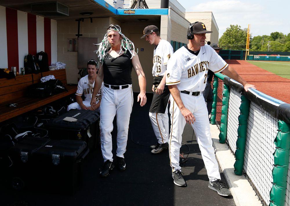 Rick Heller, Zach Fricke (16), Austin Guzzo (20), Shane Ritter (18)