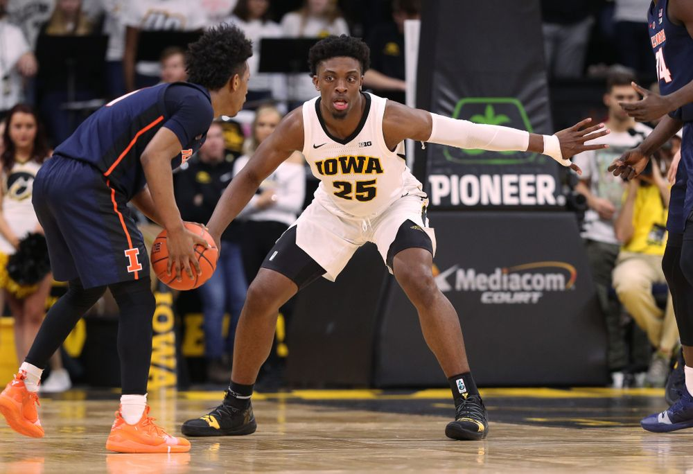 Iowa Hawkeyes forward Tyler Cook (25) against the Illinois Fighting Illini Sunday, January 20, 2019 at Carver-Hawkeye Arena. (Brian Ray/hawkeyesports.com)