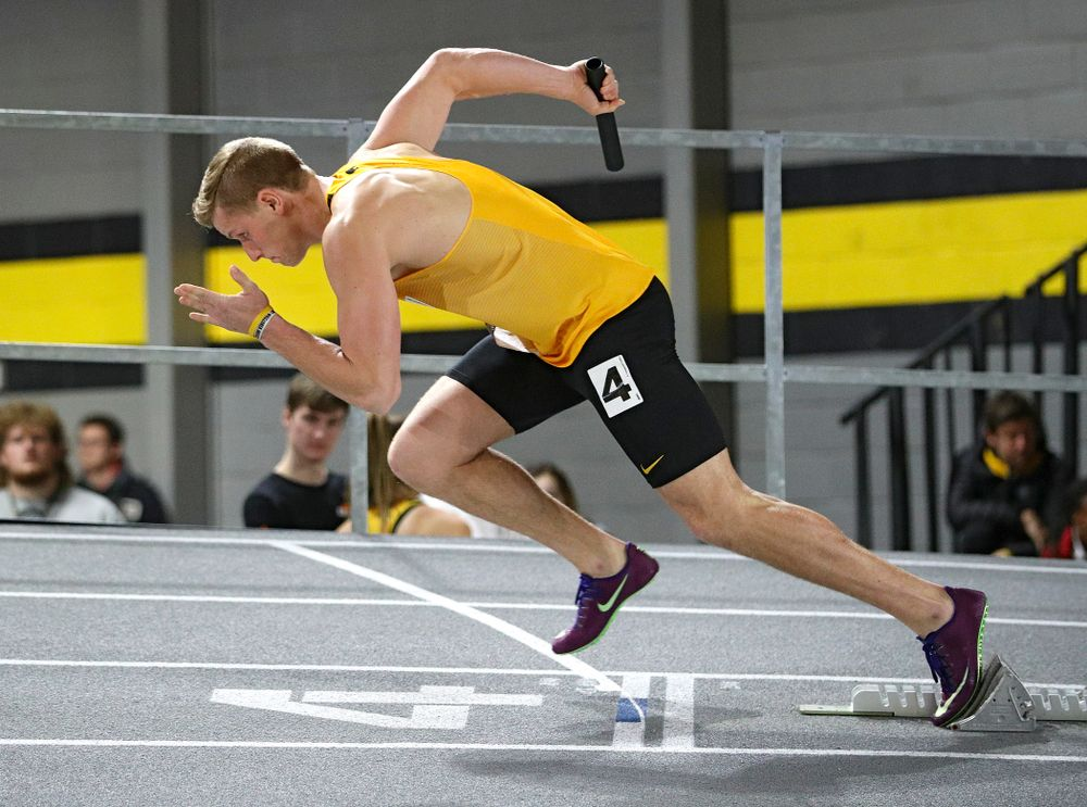 Iowa's Nolan Roethler runs the men's 1600 meter relay premier event during the Larry Wieczorek Invitational at the Recreation Building in Iowa City on Saturday, January 18, 2020. (Stephen Mally/hawkeyesports.com)
