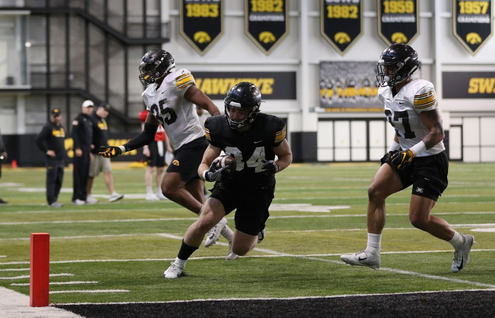 Iowa Hawkeyes wide receiver Nick Easley (84) during preparation for the 2019 Outback Bowl Monday, December 17, 2018 at the Hansen Football Performance Center. (Brian Ray/hawkeyesports.com)