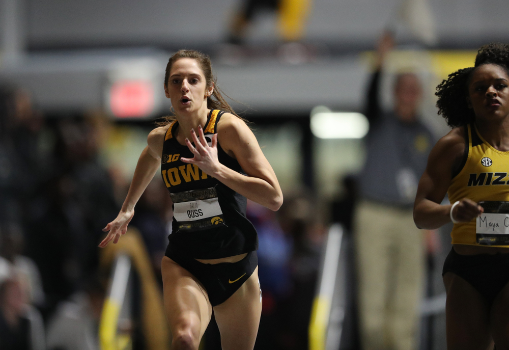 Iowa's Talia Buss runs the 200 meter premier during the 2019 Larry Wieczorek Invitational Friday, January 18, 2019 at the Hawkeye Tennis and Recreation Center. (Brian Ray/hawkeyesports.com)