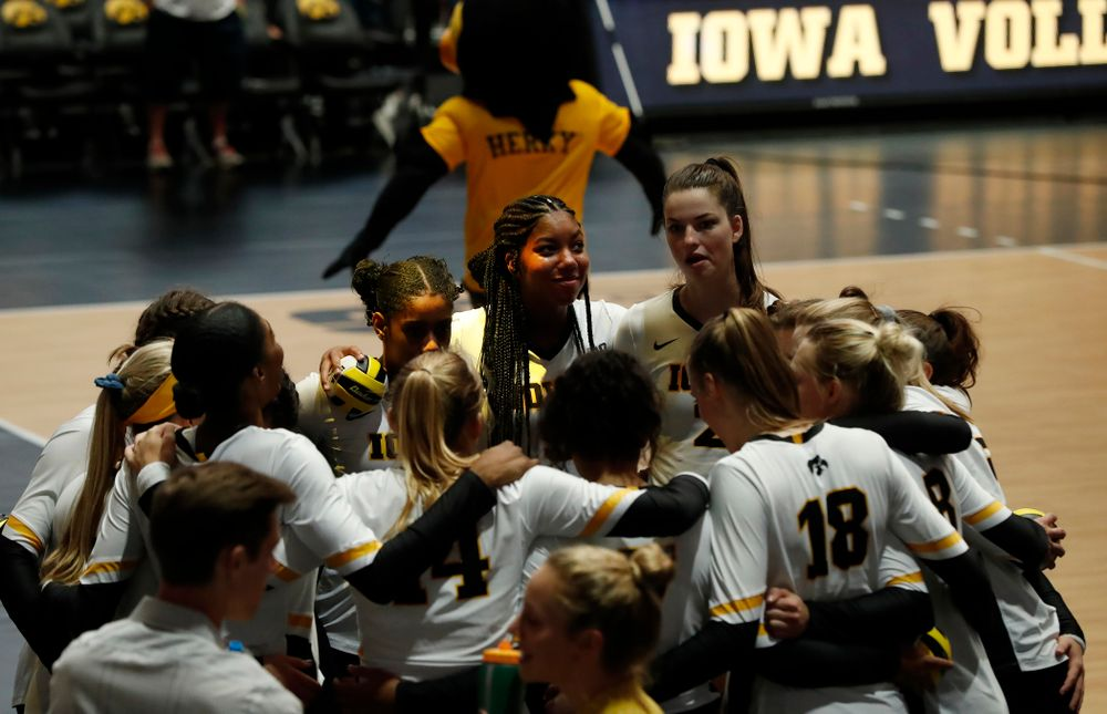 The Iowa Hawkeyes against the Michigan Wolverines Sunday, September 23, 2018 at Carver-Hawkeye Arena. (Brian Ray/hawkeyesports.com)