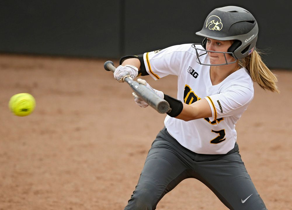 Iowa Hawkeyes Aralee Bogar (2) lines up a bunt during the sixth inning of their Big Ten Conference softball game at Pearl Field in Iowa City on Friday, Mar. 29, 2019. (Stephen Mally/hawkeyesports.com)
